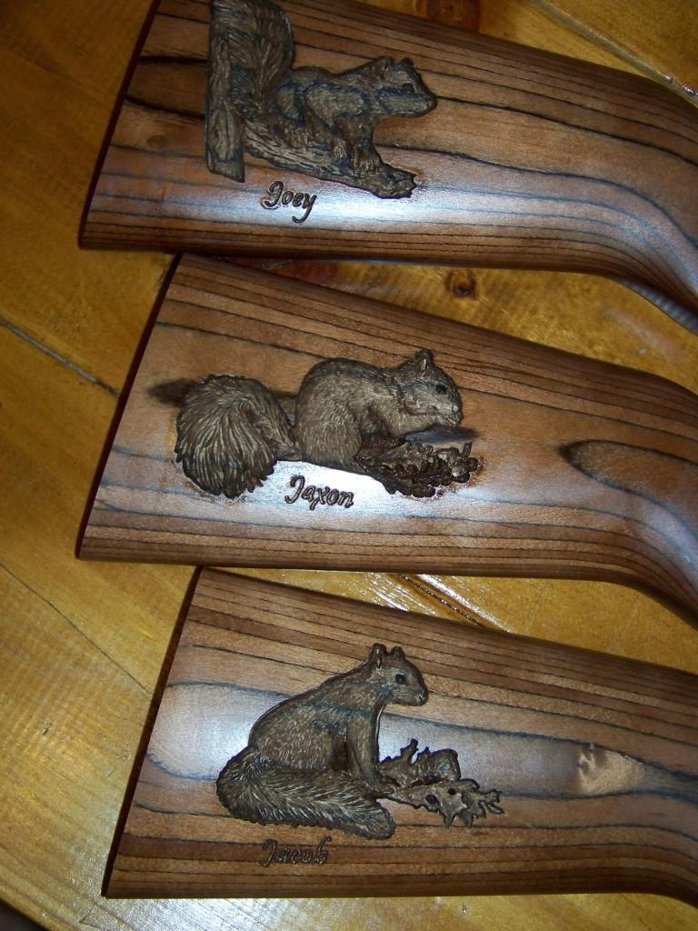 Squirrel carvings 002
